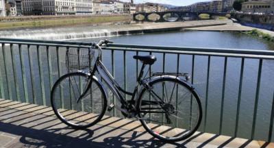 ponte vespucci bicicletta