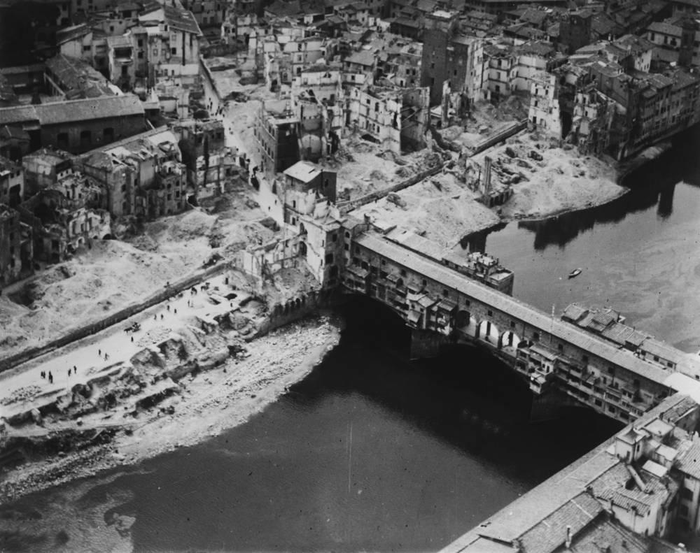 Lungarno abbattuto seconda guerra mondiale