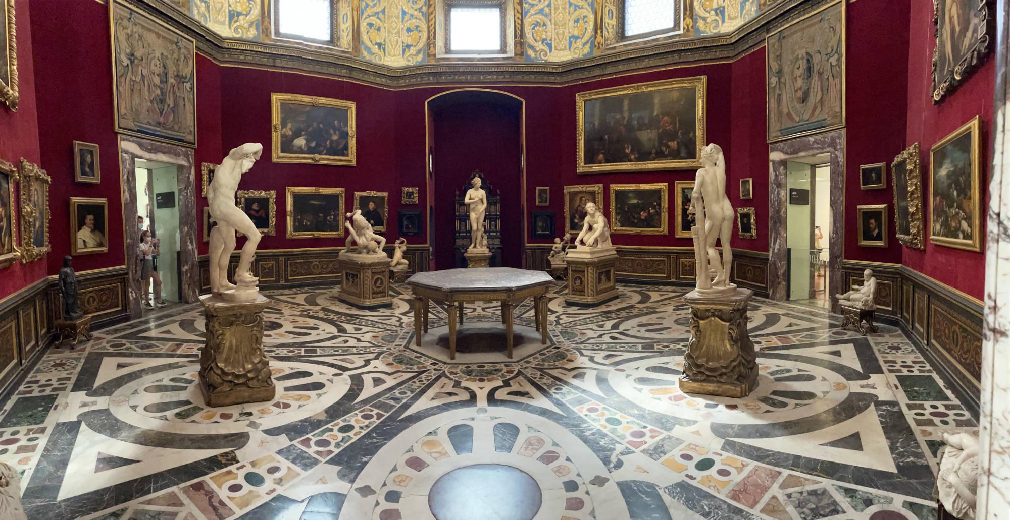 11tribuna degli Uffizi e venere dei Medici